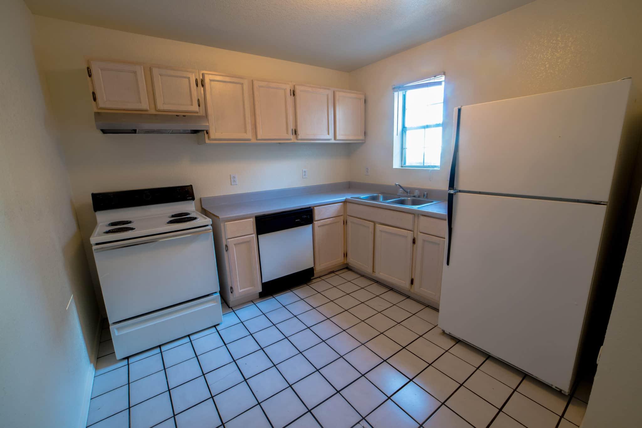 Centre Square 2 bedroom - Kitchen